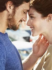 abrazos y besos en la relacion de pareja