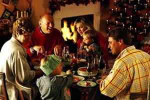 CÓMO SOBREVIVIR A LAS PELEAS FAMILIARES ESTA NAVIDAD (Y QUE NO AFECTEN A LA PAREJA)
